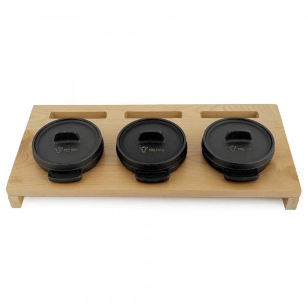 BBQ-Toro Mini Dutch Oven Set mit Holzunterlage | 3 x Ø 11 cm | Gusseisen Töpfe
